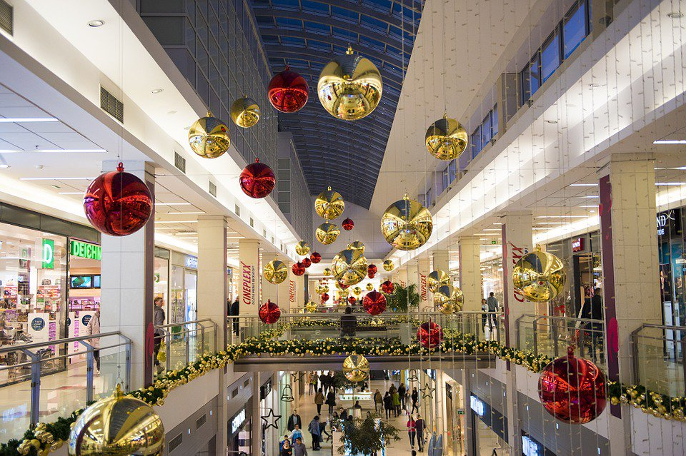 Wireless Retail: Making the Holiday Upsell for the Sake of Profitability